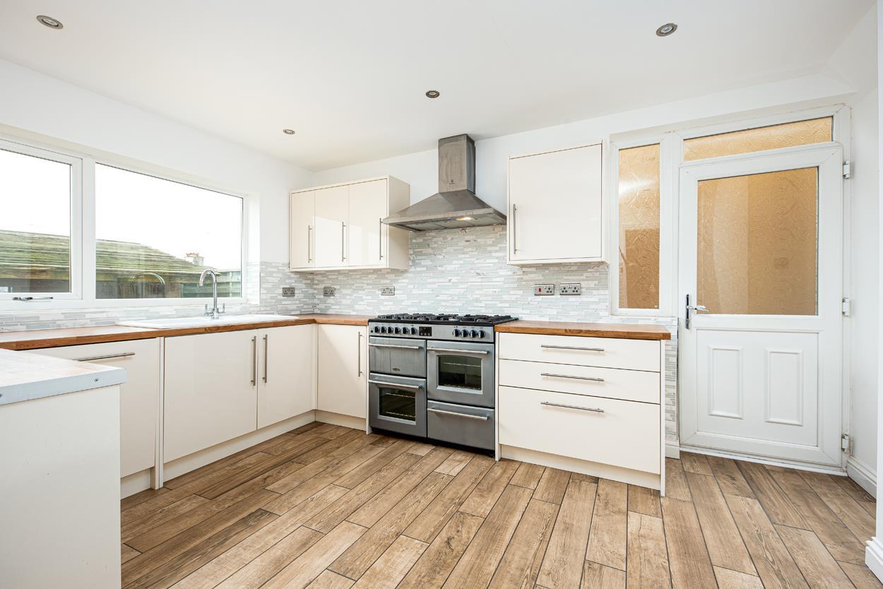 4 bed house for sale in Penpole Lane, Bristol  - Property Image 3