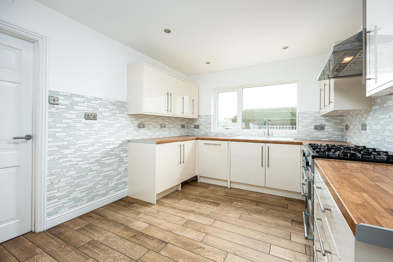 4 bed house for sale in Penpole Lane, Bristol  - Property Image 2