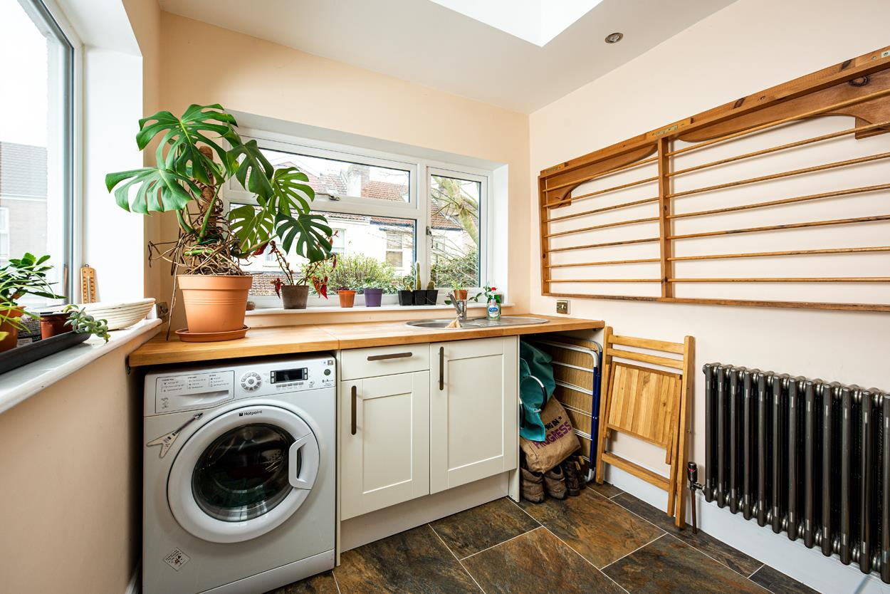 3 bed terraced house for sale in Raglan Place, Bristol 11