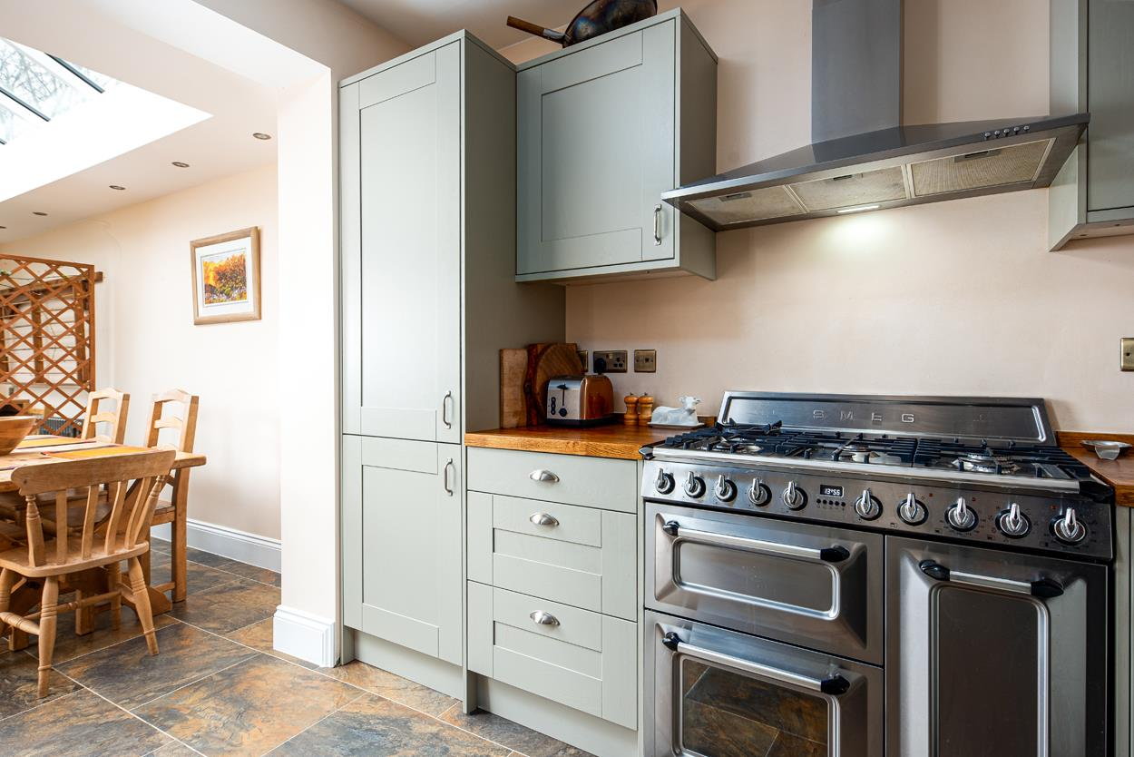 3 bed terraced house for sale in Raglan Place, Bristol 14
