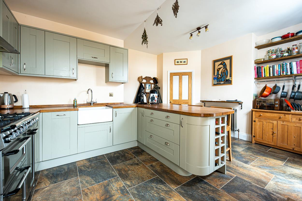3 bed terraced house for sale in Raglan Place, Bristol 2