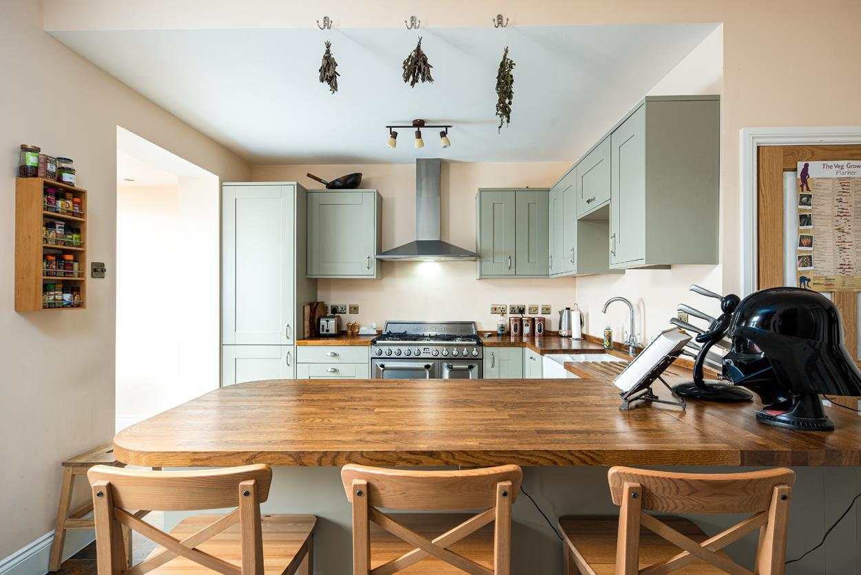 3 bed terraced house for sale in Raglan Place, Bristol 4