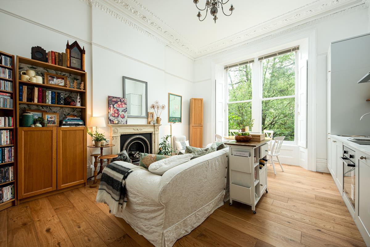 2 bed apartment for sale in Pembroke Road, Bristol  - Property Image 3