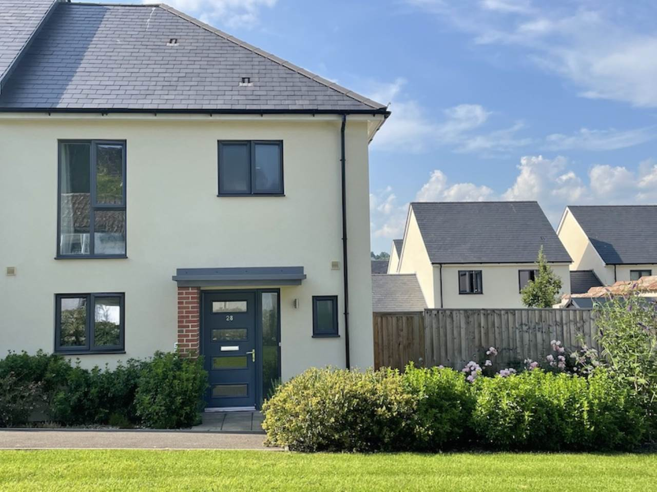 3 bed semi-detached house to rent in Cobley Court, EX4