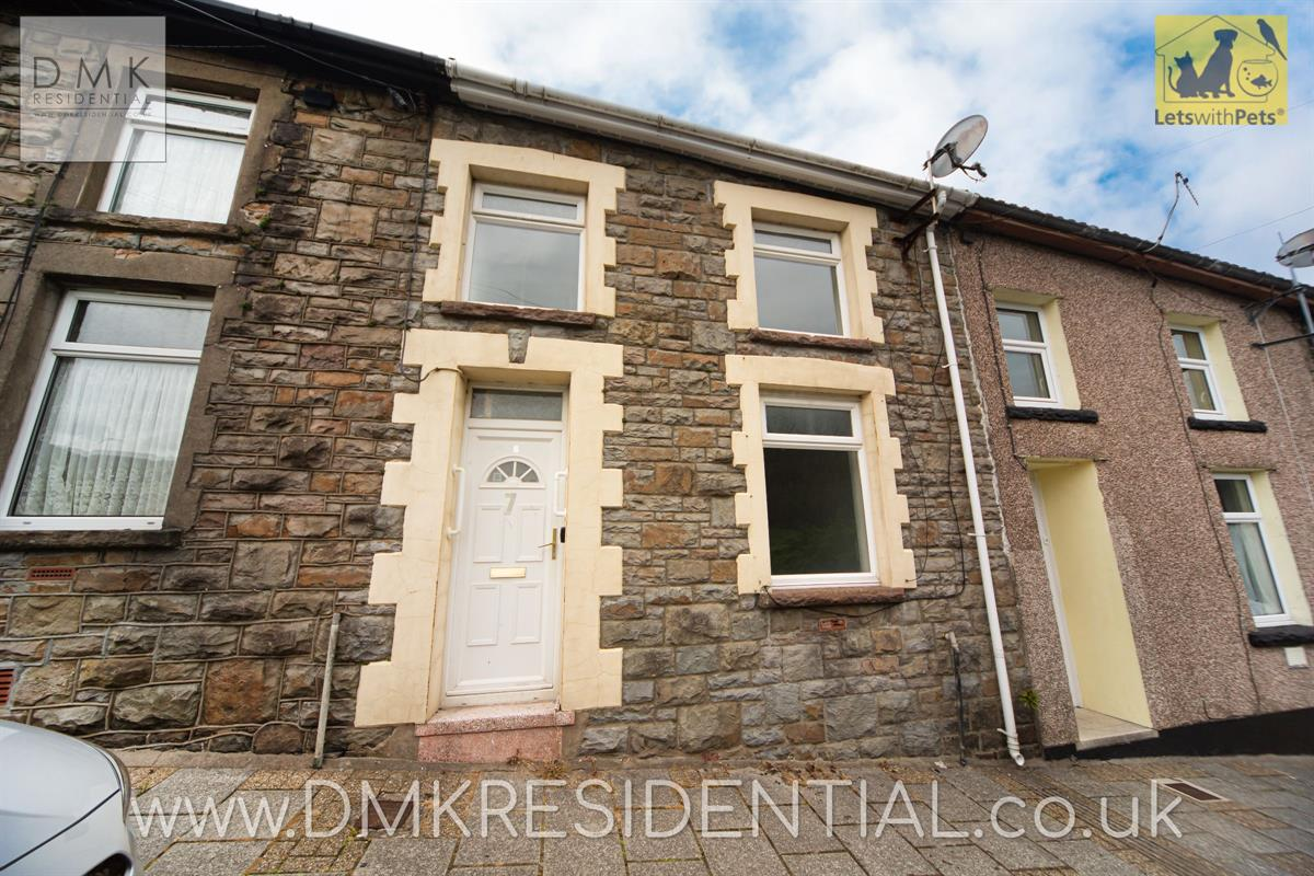 3 bed terraced house to rent in Bryn Wyndham Terrace, Treorchy, CF42