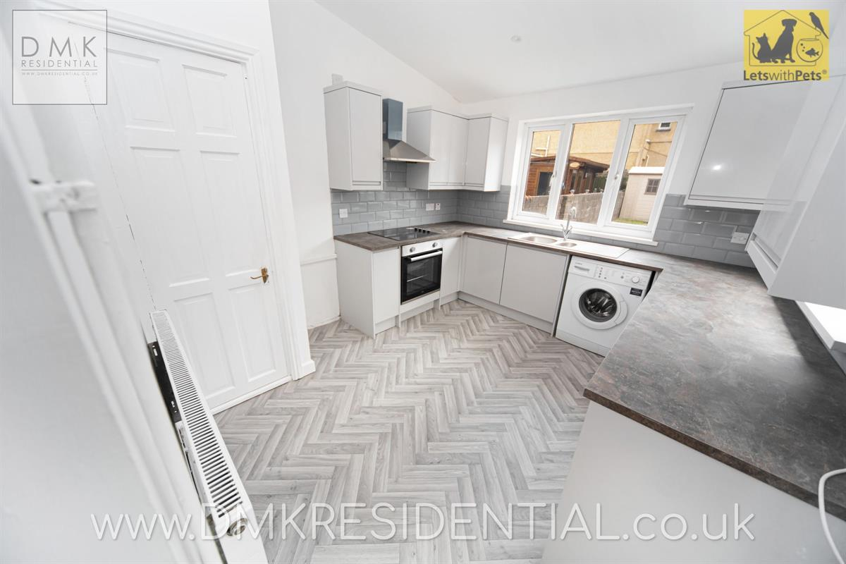 3 bed terraced house to rent in Rockingham Terrace, Neath, SA11