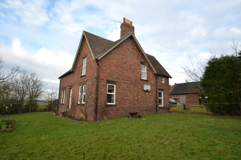 Substantial Farmhouse in accessible rural location via private track