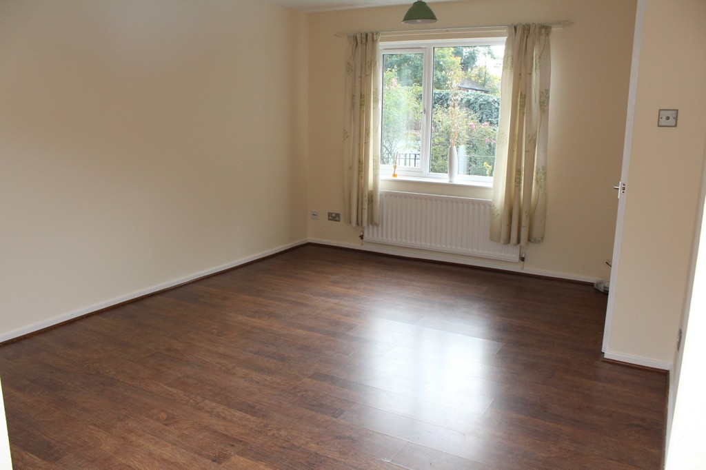 3 bed end of terrace house to rent in Neville Drive, Stockton-on-Tees 2
