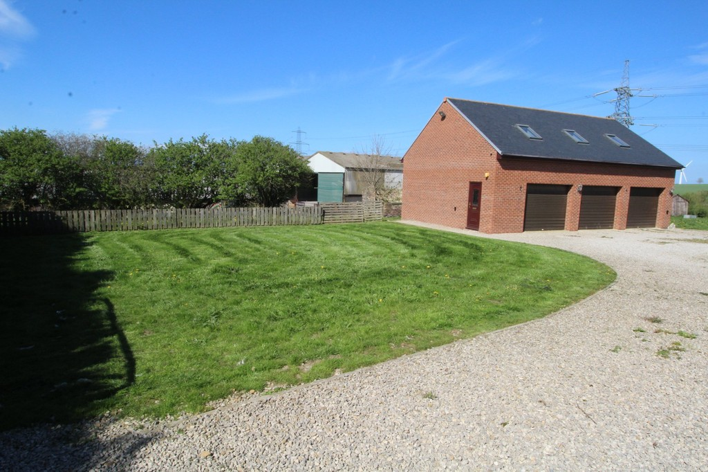 4 bed semi-detached house to rent, Durham  - Property Image 13