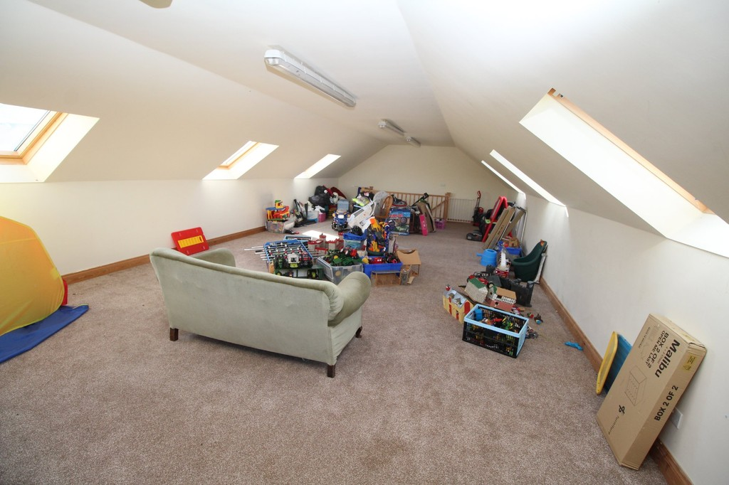 4 bed semi-detached house to rent, Durham  - Property Image 11