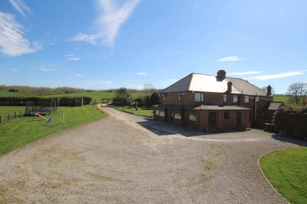 4 bed semi-detached house to rent, Durham  - Property Image 12