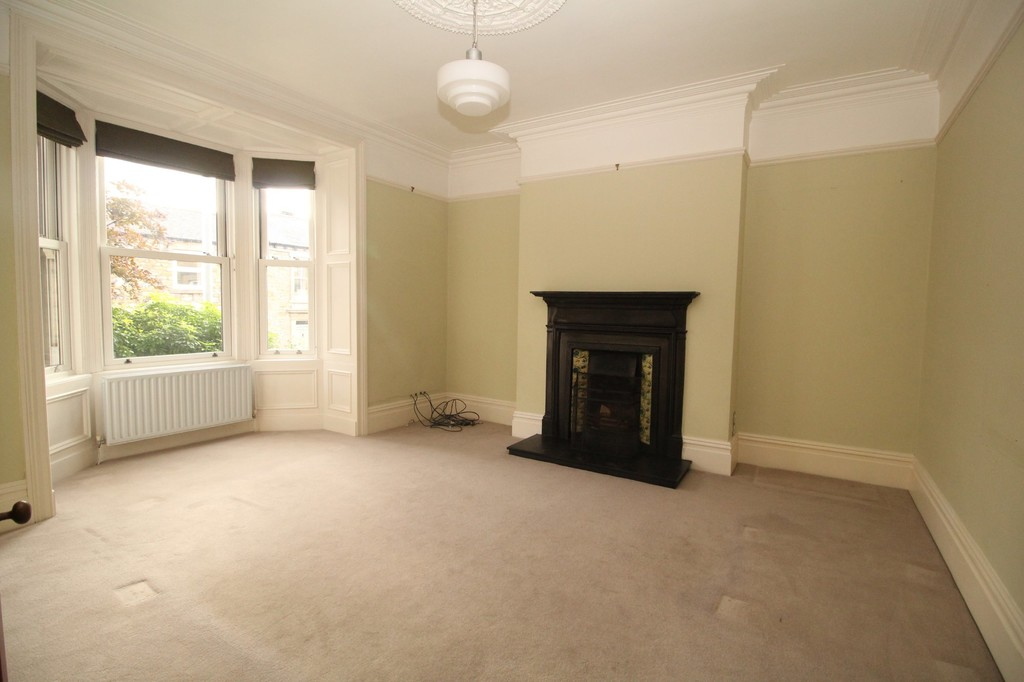 4 bed terraced house to rent in Leazes Crescent, Hexham 1