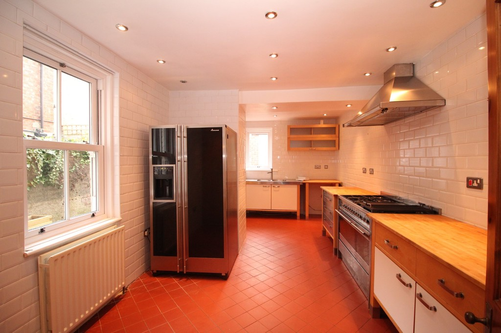 4 bed terraced house to rent in Leazes Crescent, Hexham  - Property Image 4