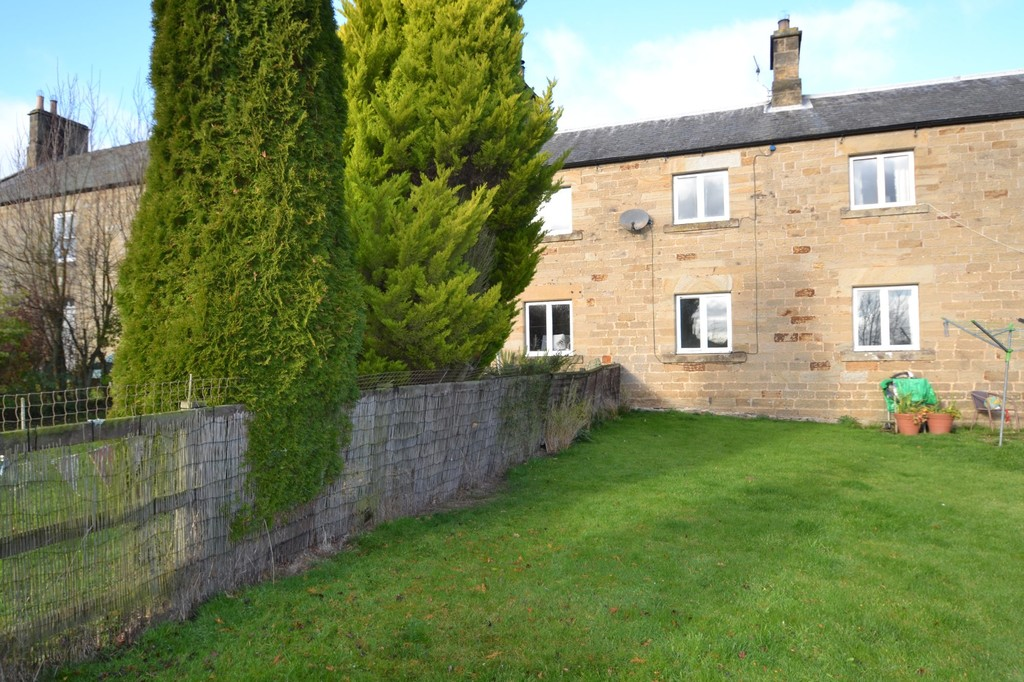 One bedroom stone cottage situated in an idyllic rural setting.