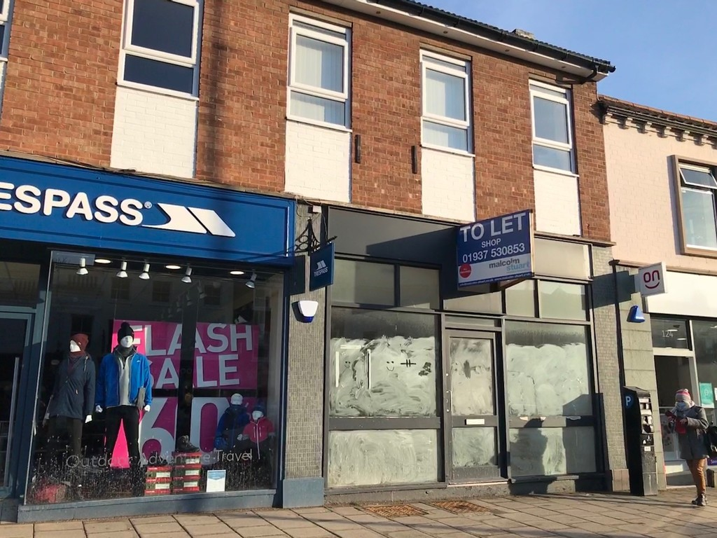 Shop to let occupying a prime pitch in prosperous market town of Northallerton.