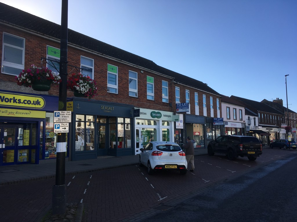 Retail to rent in High Street, North Yorkshire 2