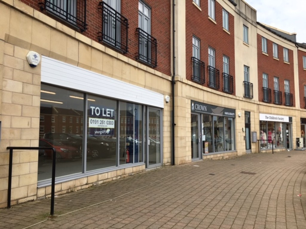 Ground floor retail unit located in a densely populated area.  Flexible lease terms.