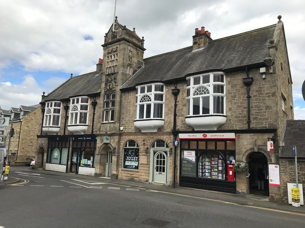 Attractive Grade II Listing Building which is located in the heart of Corbridge , a popular affluent village. Bar/Restaurant Opportunity. Fantastic opportunity for new operator. Nil premium. Rent £18,000 per annum