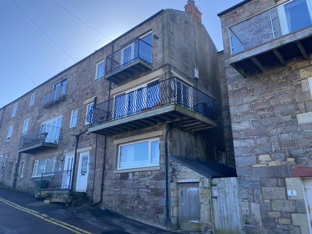 Investment opportunity, one bedroom apartment situated on the desirable Harbour Road in Seahouses.
