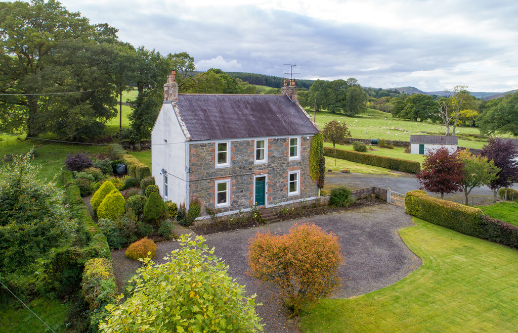 A beautifully proportioned country house, located in  a stunning elevated position with outstanding views  towards the Lowther Hills.Penpont - 2 miles | Thornhill - 4 miles | Dumfries - 15 miles |  Glasgow - 65 miles | Edinburgh - 66 miles | Carlisle - 50 miles
