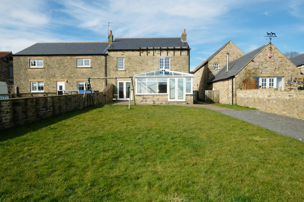 Swallow Cottage is a charming stone built three bedroom property, set within picturesque countryside surroundings on the outskirts of Lanchester.