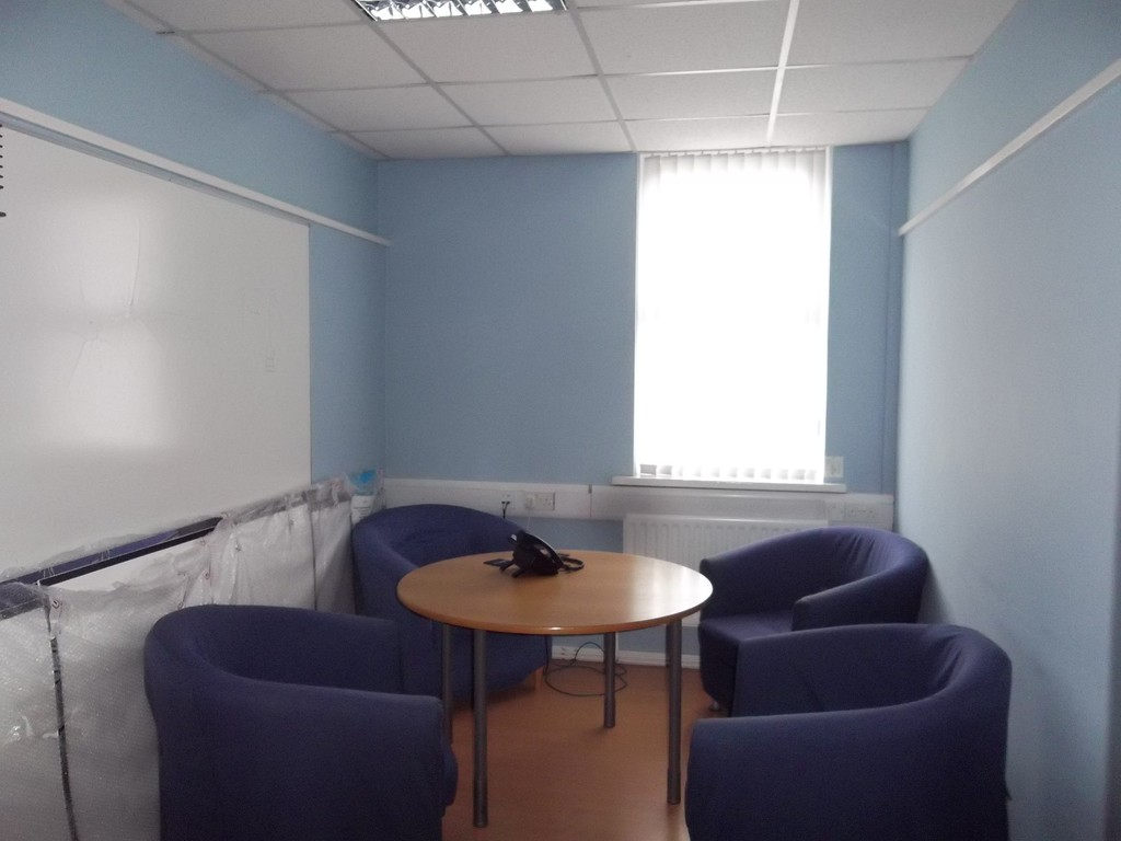 Office to rent in Durham Road 2