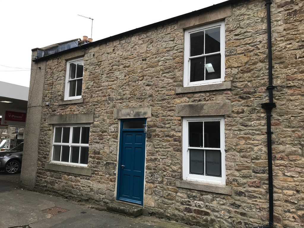 Two-storey office building. May also be suitable for retail/showroom. Popular, affluent village. Rent £9,500 per annum