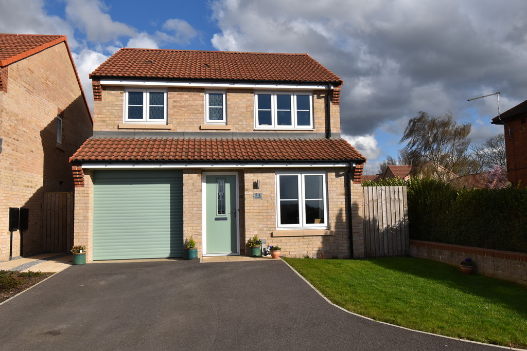 A well presented 3 bedroom detached  family home recently built by Taylor Wimpey & located  in a quiet cul de sac on the outskirts of Northallerton. The property has the benefit of two reception rooms & a modern kitchen downstairs. Outside there are pleasant gardens, a single garage & parking for several vehicles.