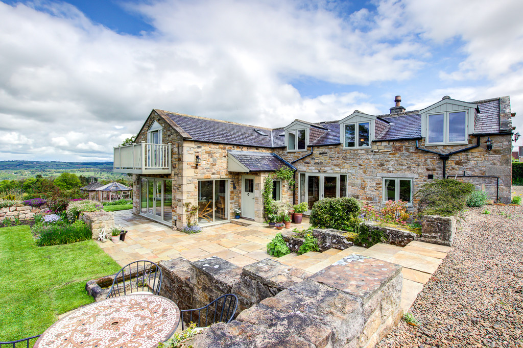 Barn End is a fantastic four bedroom stone built converted barn occupying an elevated position on the edge of the desirable market town of Hexham with fabulous far reaching countryside views and well-maintained gardens.