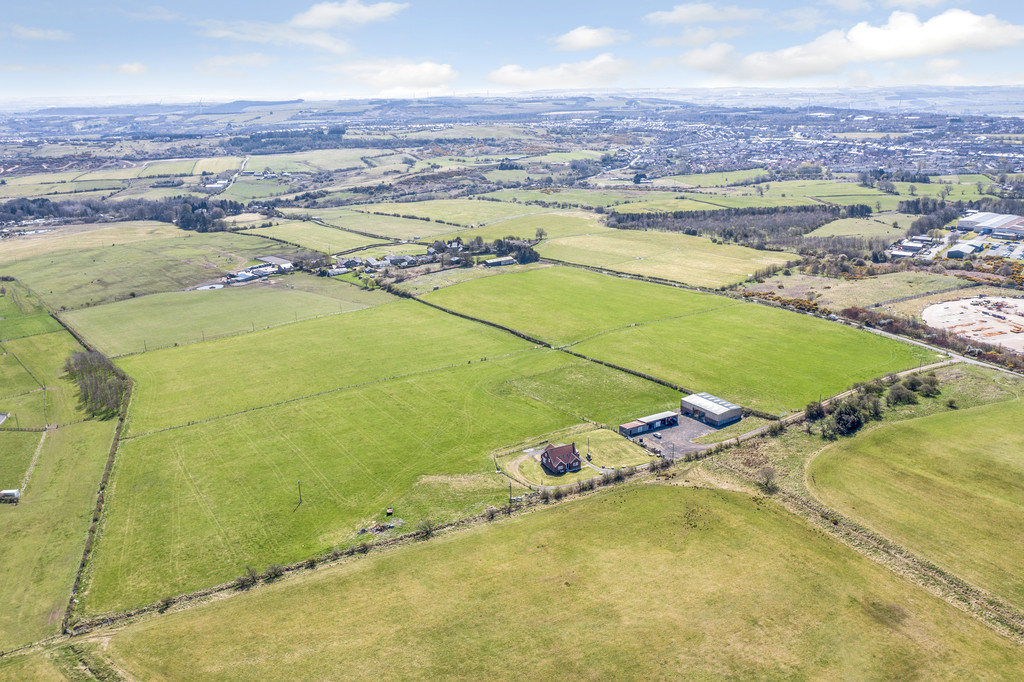 West Bushblades Farm is a well presented south facing, agricultural smallholding, comprising farmhouse, farm buildings and 44.19 acres (17.88 hectares) of permanent grassland. This farm provides the purchaser with significant amenity, equestrian and lifestyle opportunities (subject to any consents that may be required), and is presented to the market in two lots.