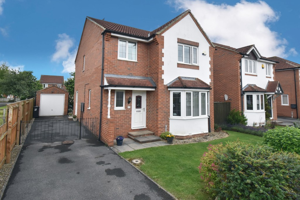 A detached house located in a popular and convenient residential area close to the centre of Northallerton occupying a generous plot with attractive gardens and parking, together with a detached single garage. Gas central heating is installed along with UPVC double glazing throughout.