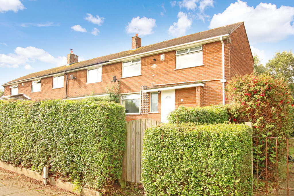 A well presented three bedroom end terraced house in popular town of Prudhoe.