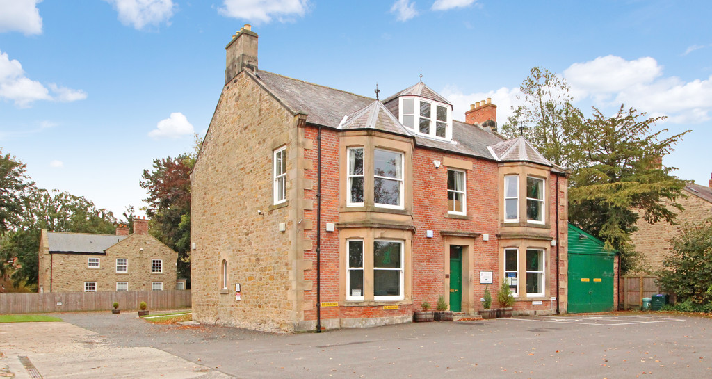 Good quality offices to let with ample on site car parking.  Rent £29,000 per annum
