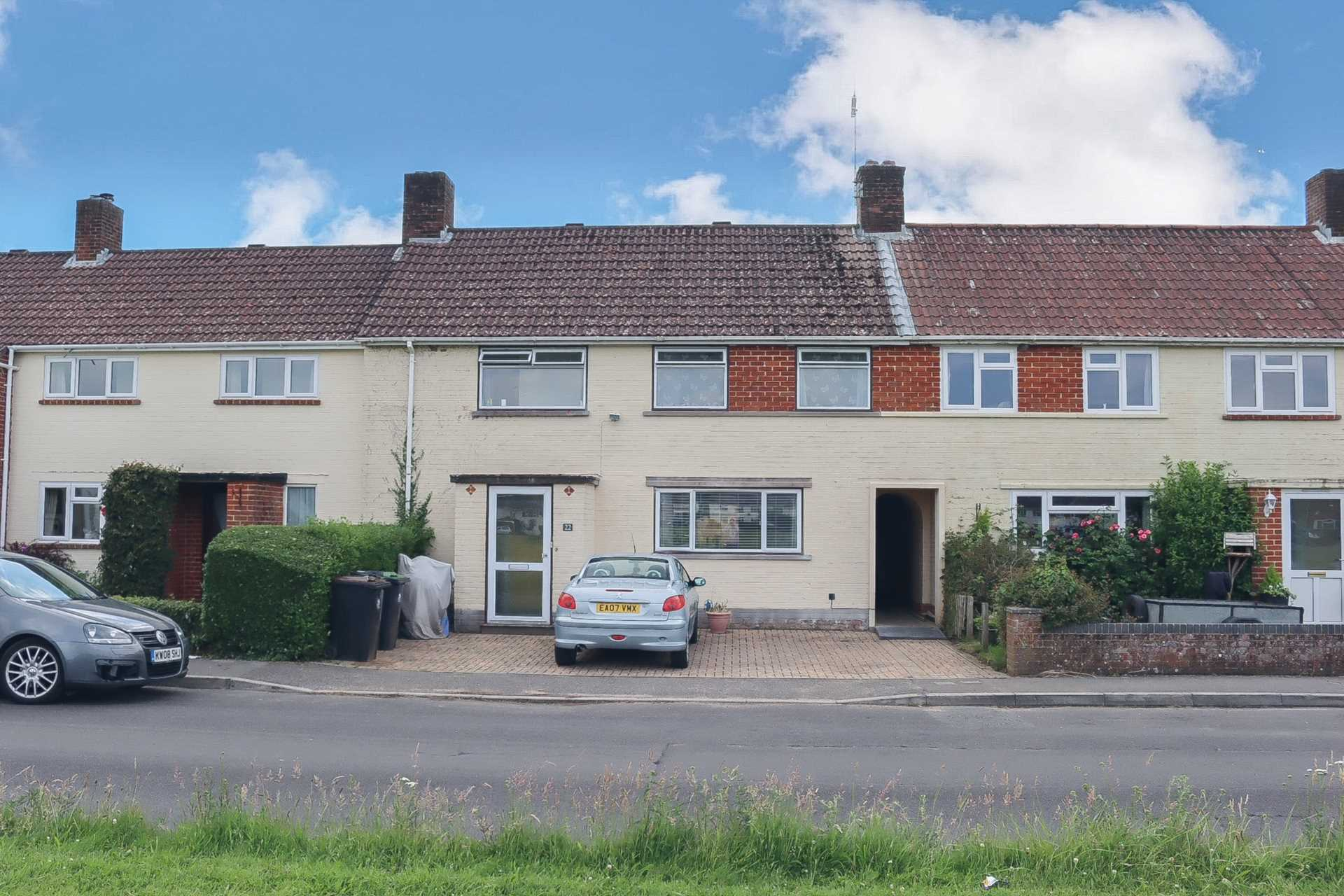 3 bed terraced house for sale in Churchill Close, Sturminster Marshall, Wimborne  - Property Image 1
