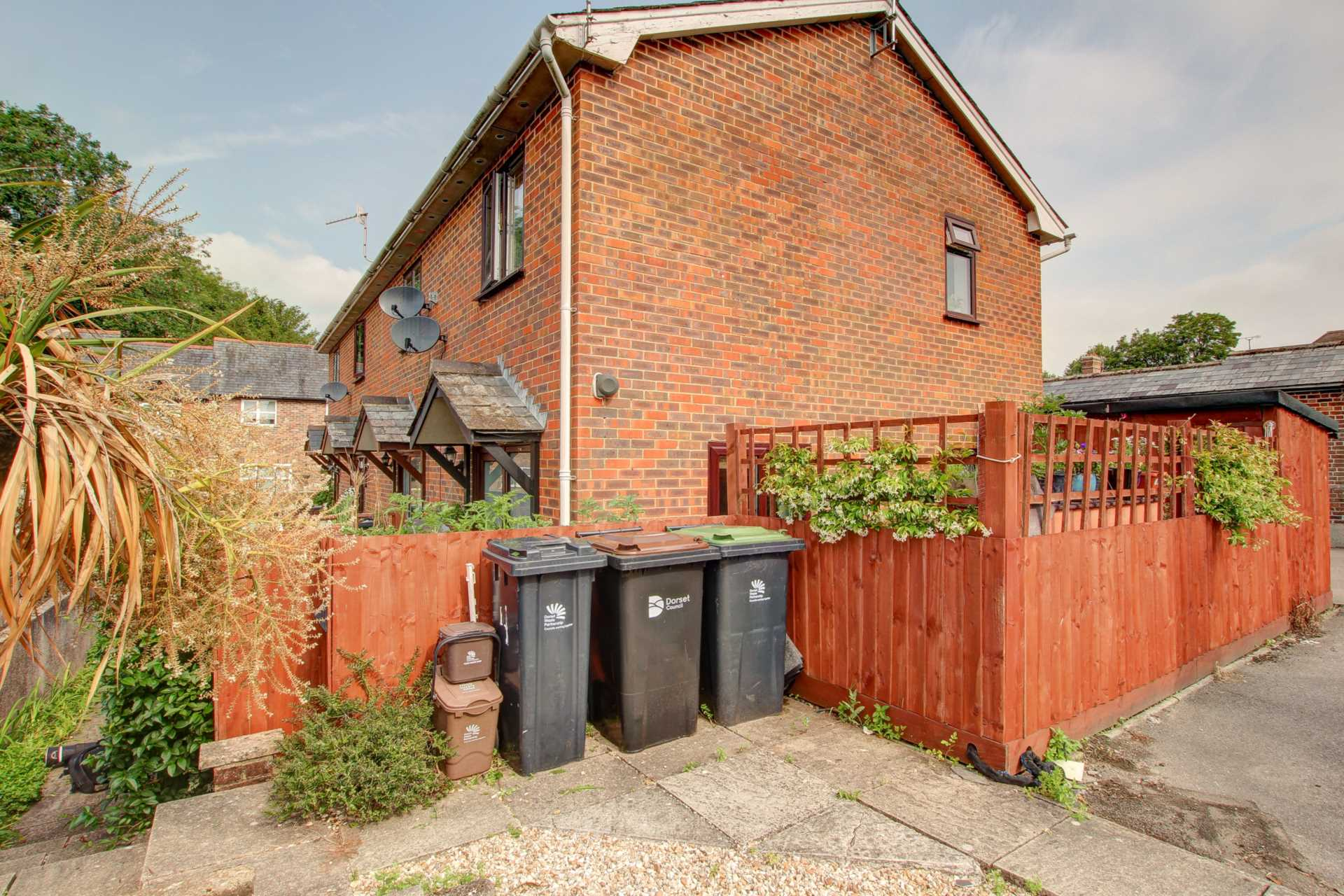 2 bed end of terrace house for sale in The Mews, Shorts Lane, Blandford Forum, Blandford Forum 11