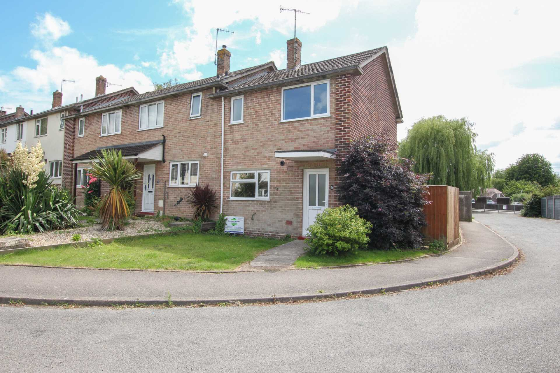 2 bed end of terrace house to rent in Fishers Close, Blandford Forum, Blandford Forum  - Property Image 1