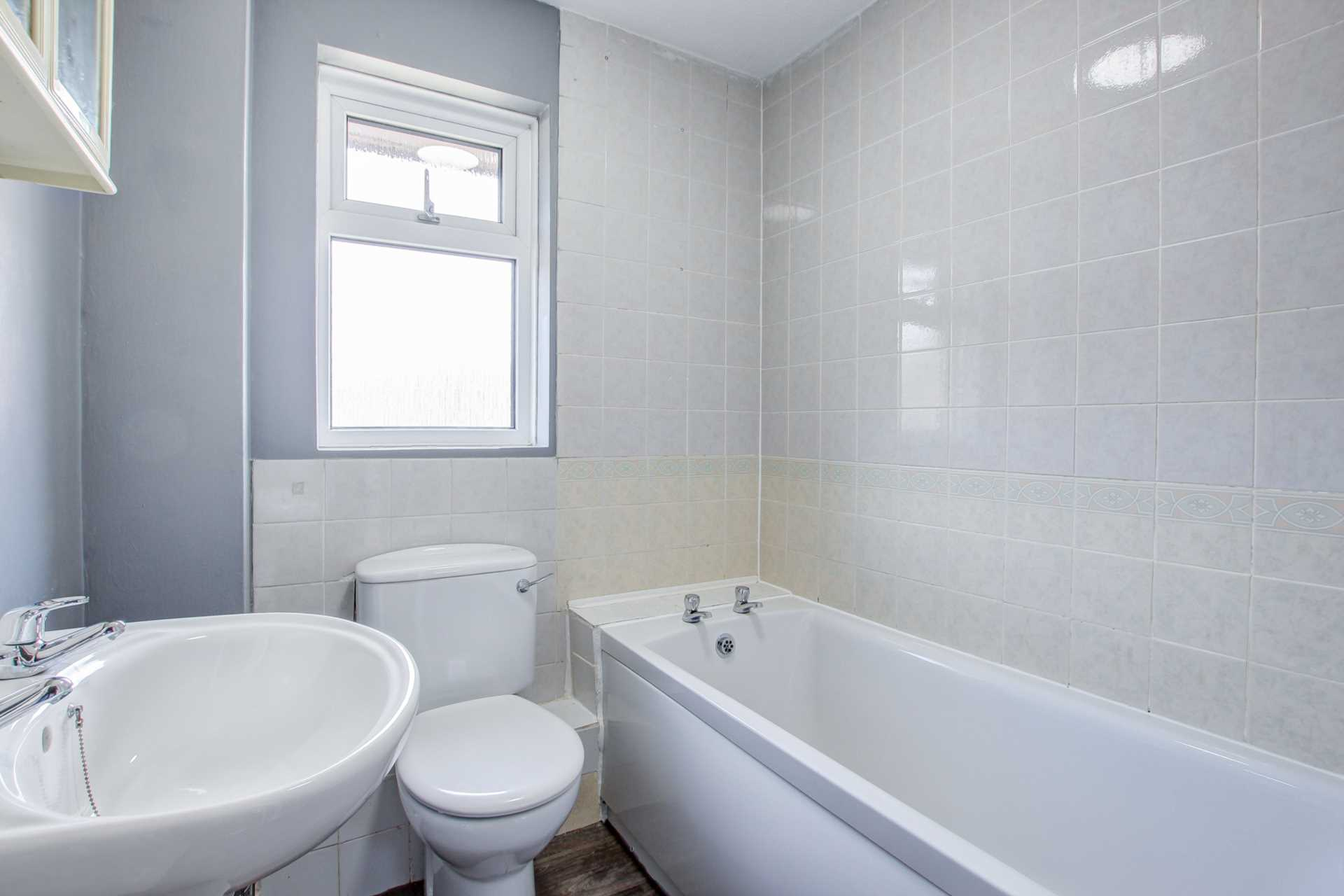 2 bed terraced house for sale in Eastleaze Road, Blandford Forum  - Property Image 8