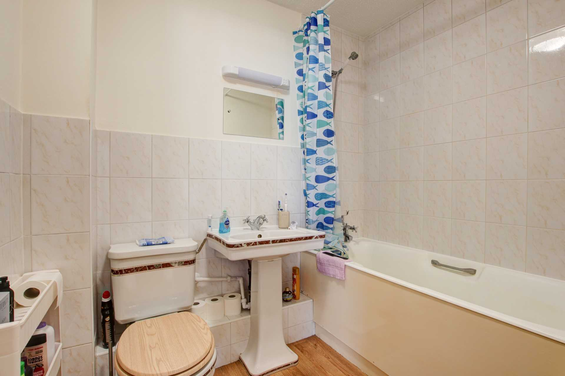 2 bed flat for sale in The Orkneys, Blandford Forum, Blandford Forum 4