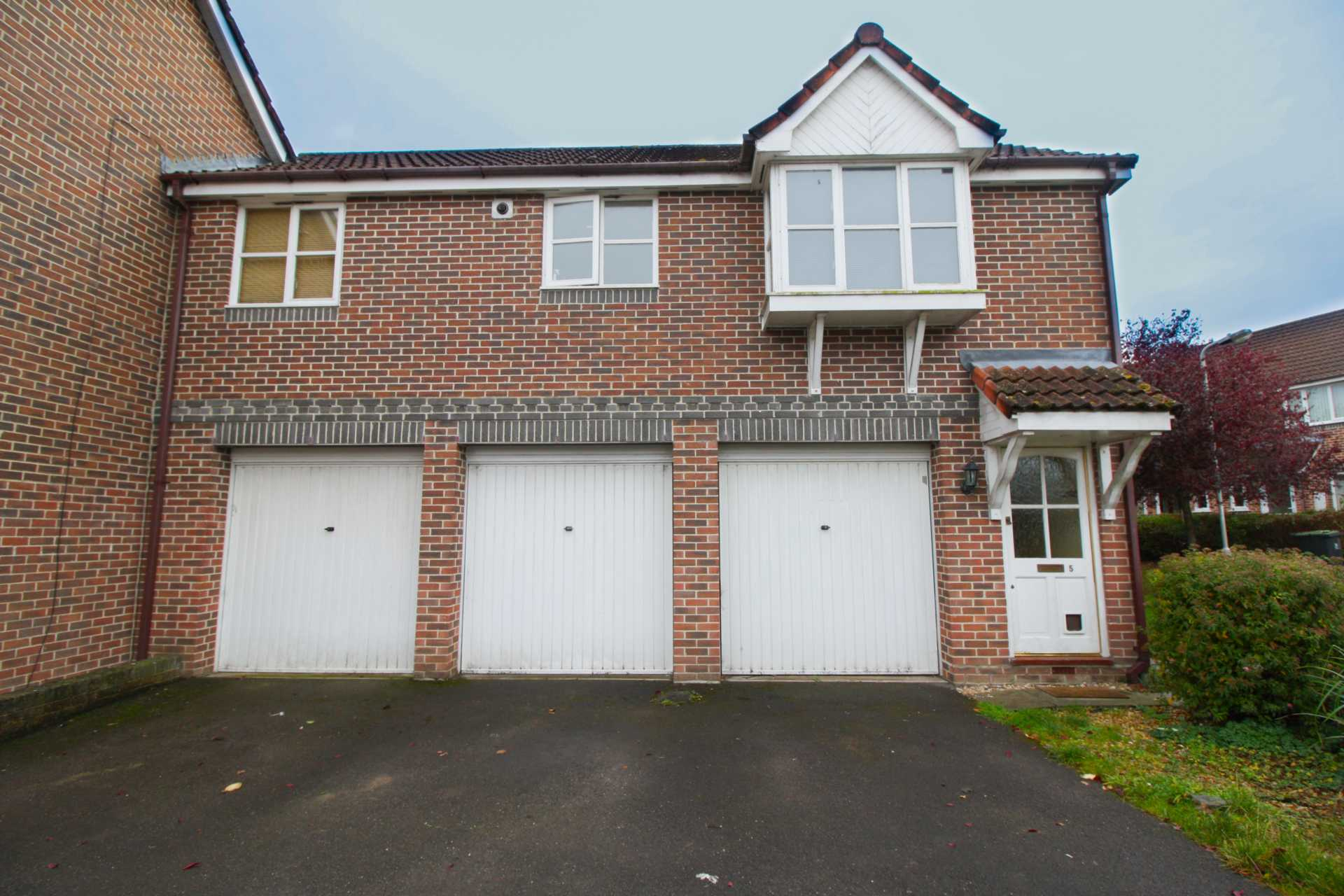 1 bed coach house to rent in Ivy Close, Gillingham 0