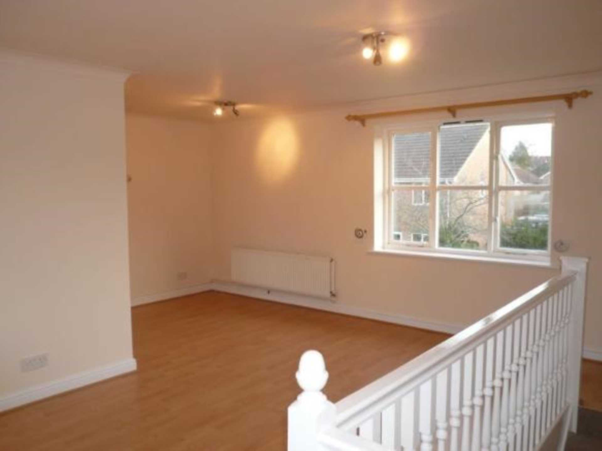 1 bed coach house to rent in Ivy Close, Gillingham 2