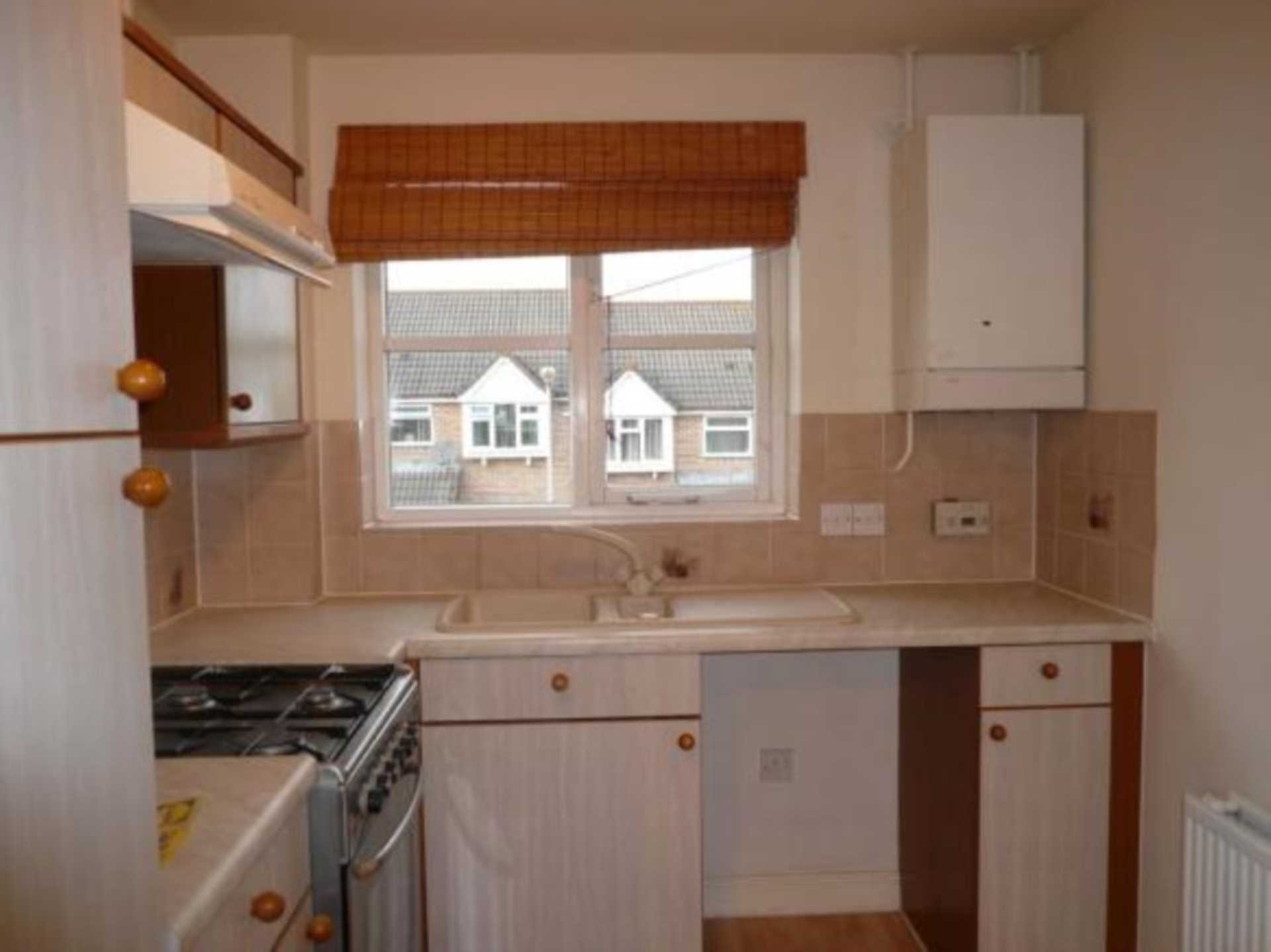 1 bed coach house to rent in Ivy Close, Gillingham 3