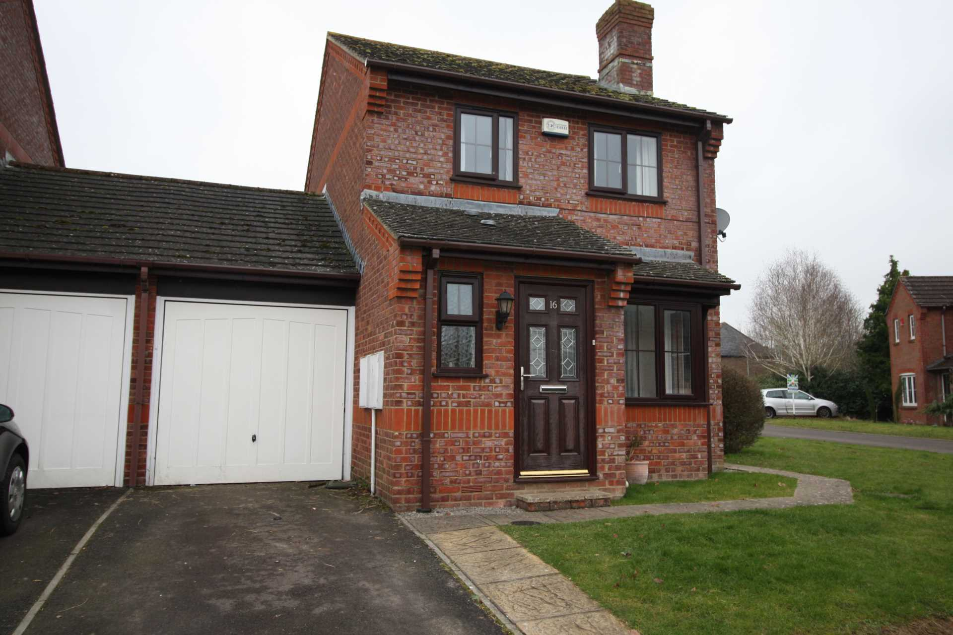 House to rent in Willow Way, Motcombe, Shaftesbury  - Property Image 1