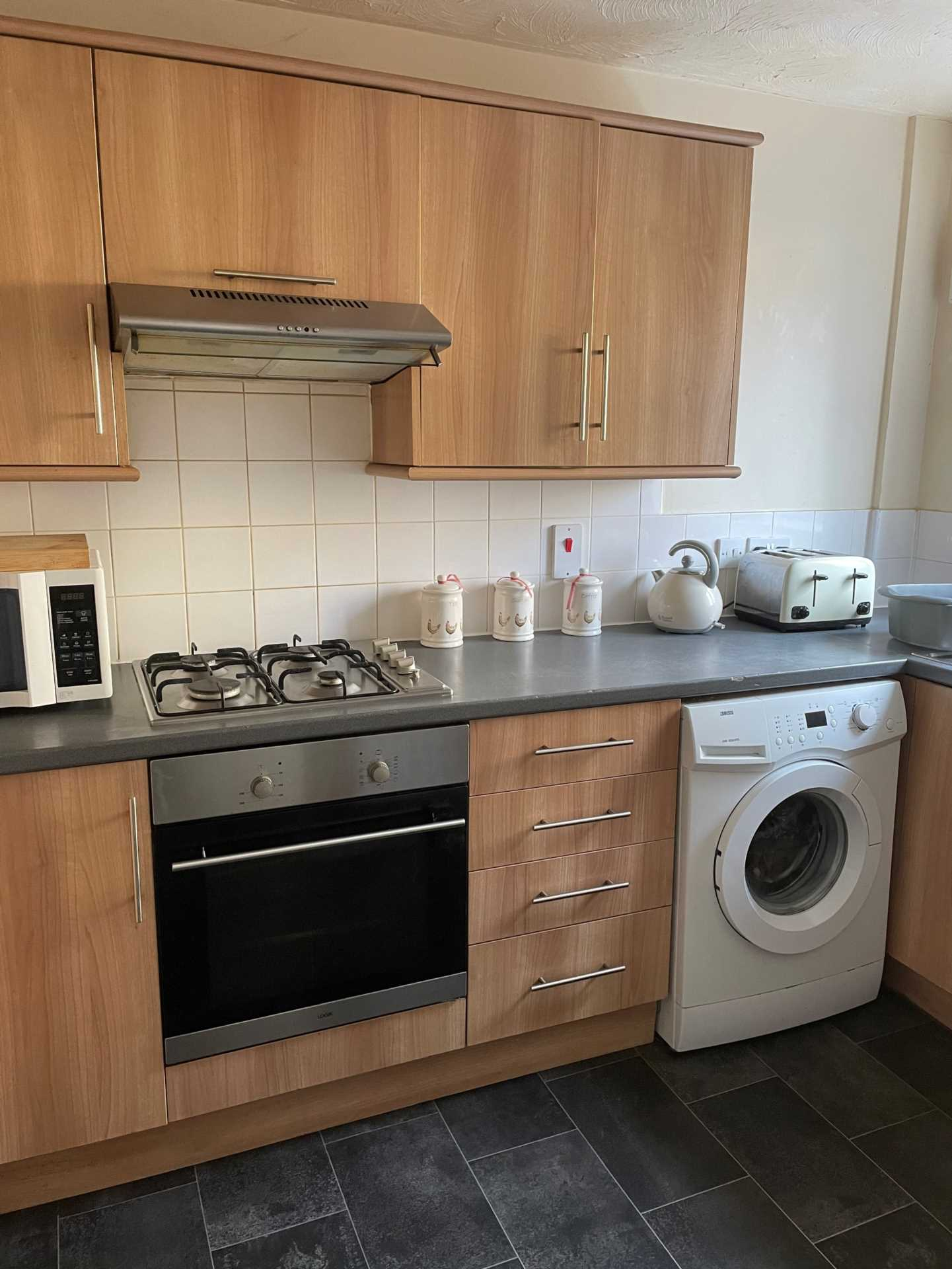 3 bed terraced house to rent in Cloverfields, Gillingham 1