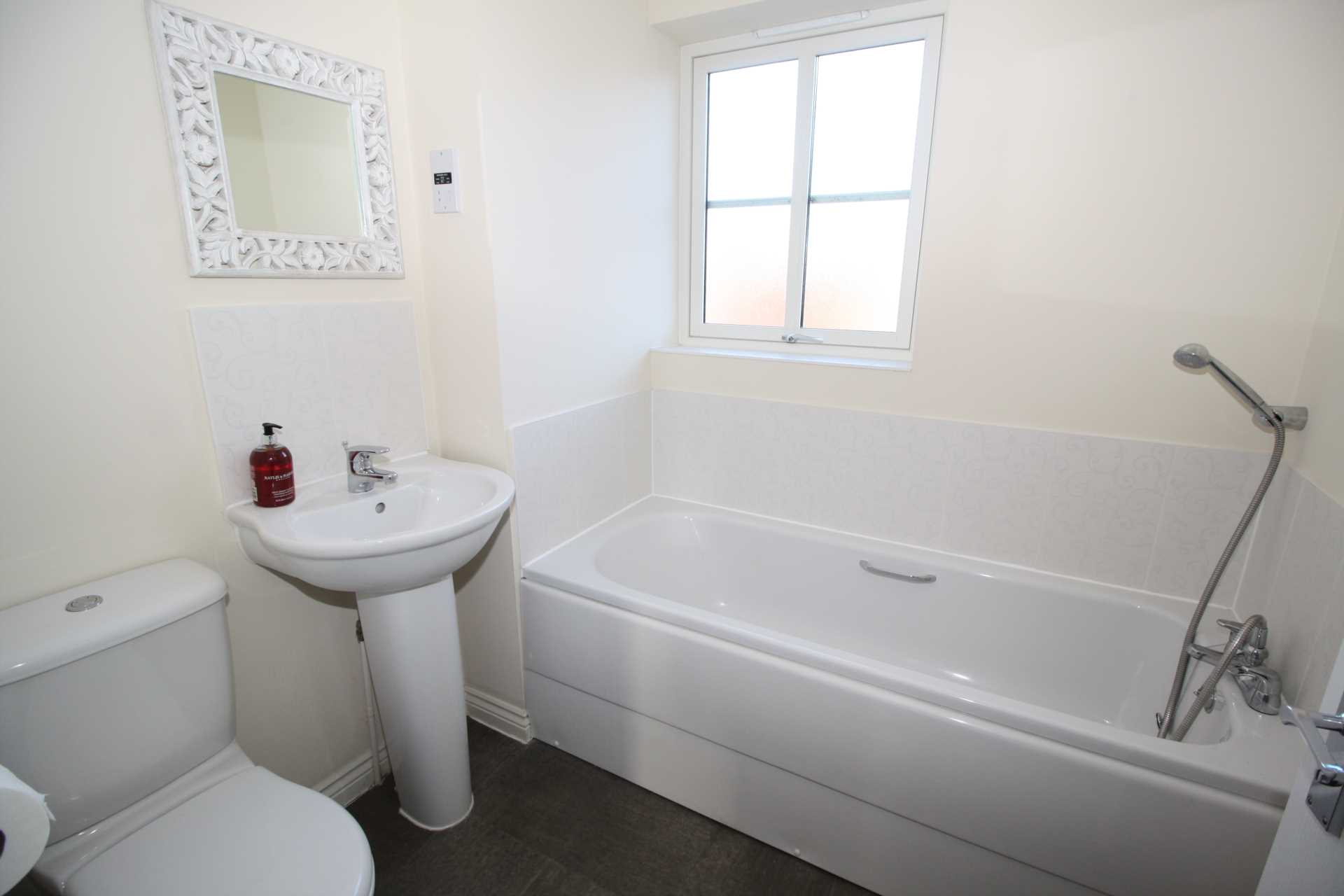 2 bed end of terrace house to rent in Greenacre Way, Shaftesbury, Shaftesbury  - Property Image 8