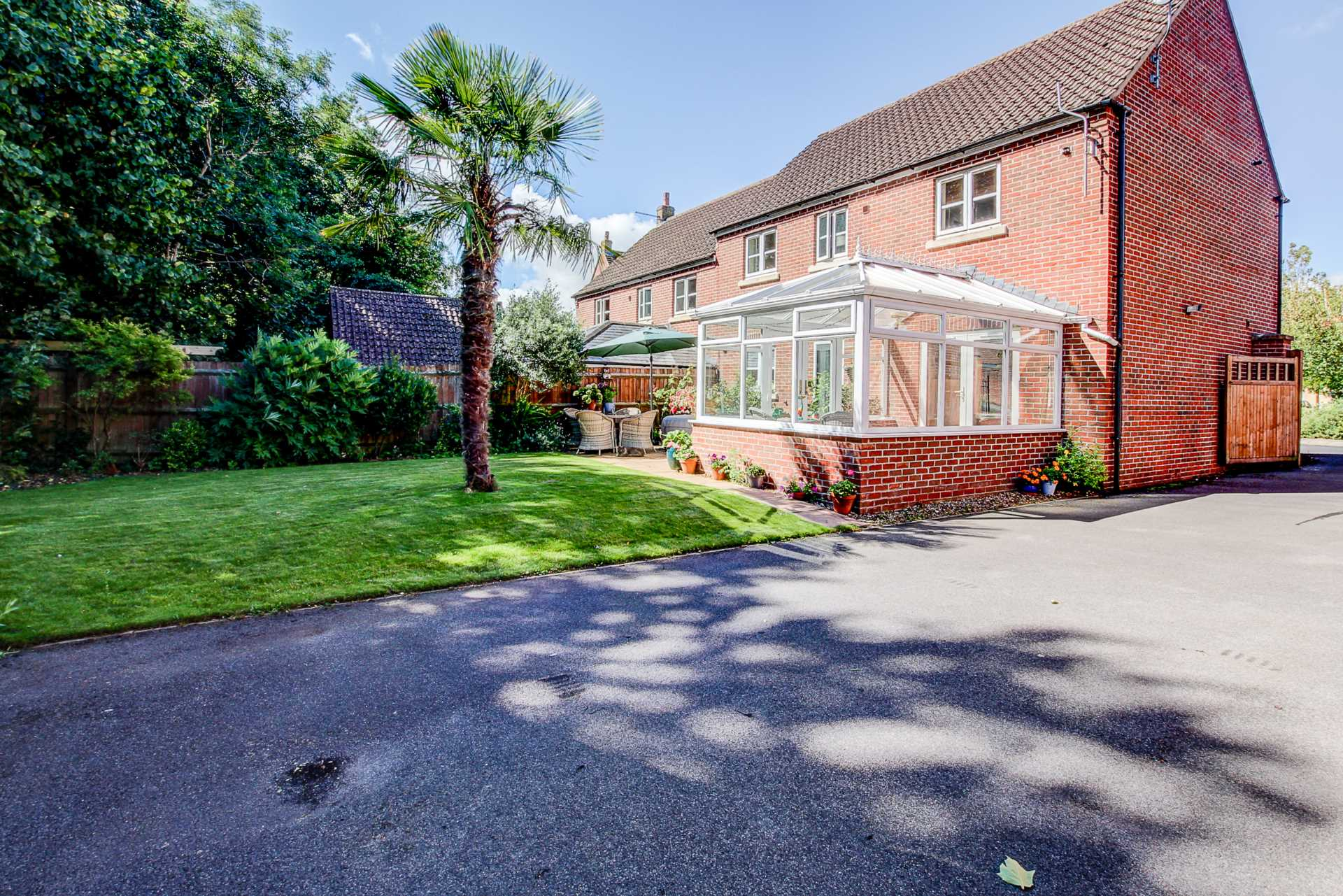 4 bed semi-detached house for sale in Westbury Way, Blandford Forum  - Property Image 5