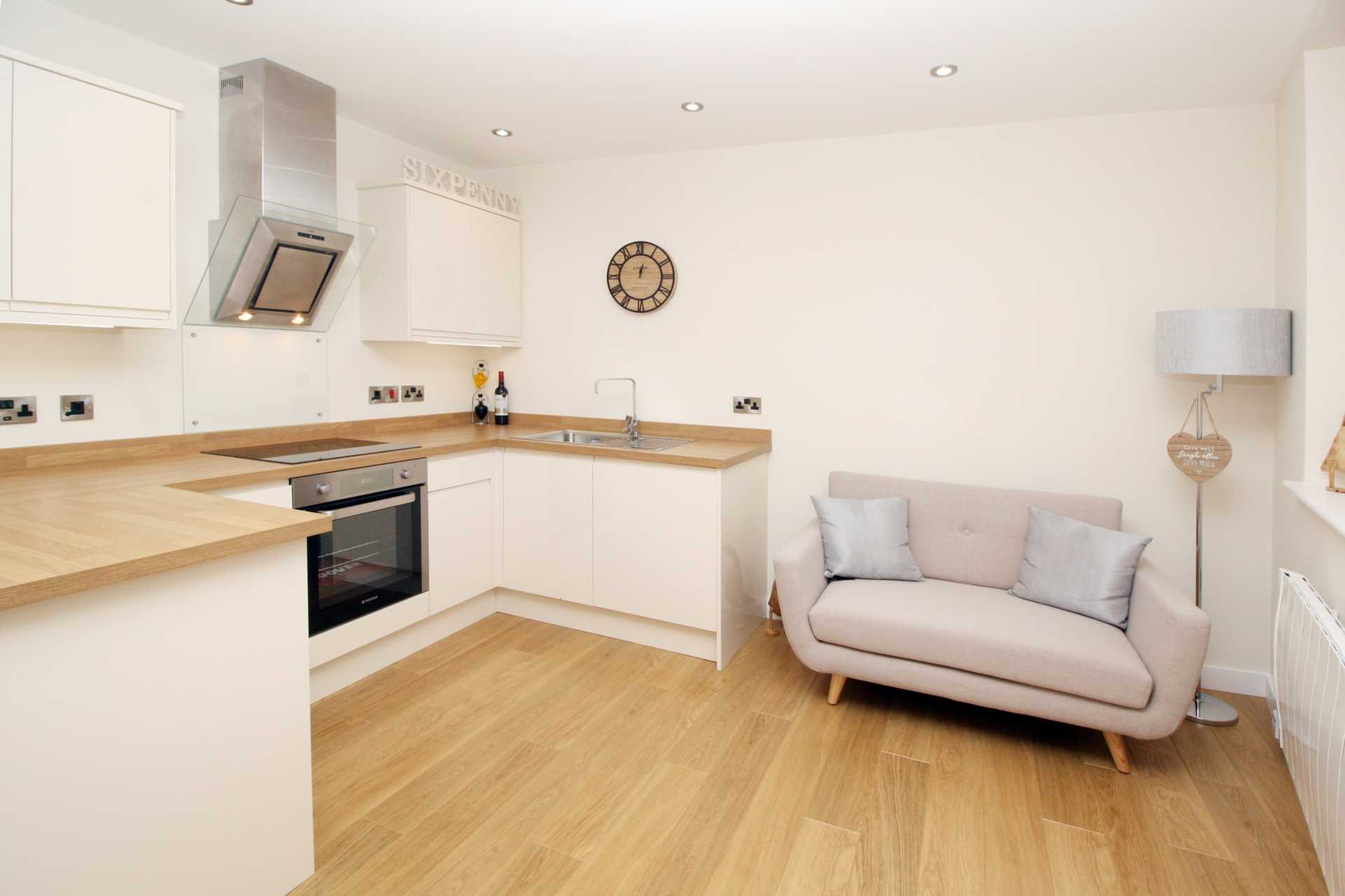 1 bed flat for sale in High Street, Sixpenny Handley, Salisbury 2