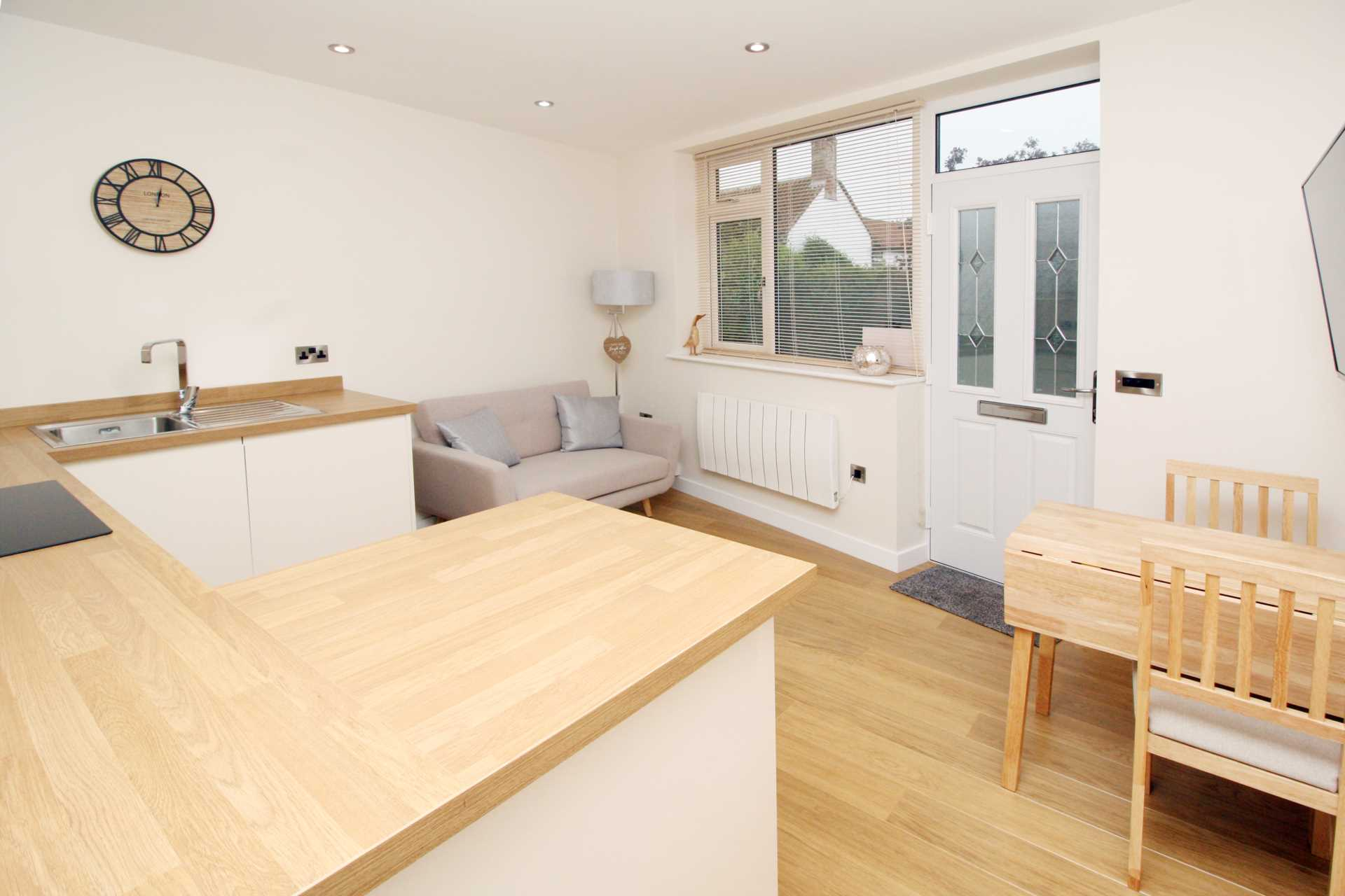 1 bed flat for sale in High Street, Sixpenny Handley, Salisbury 4