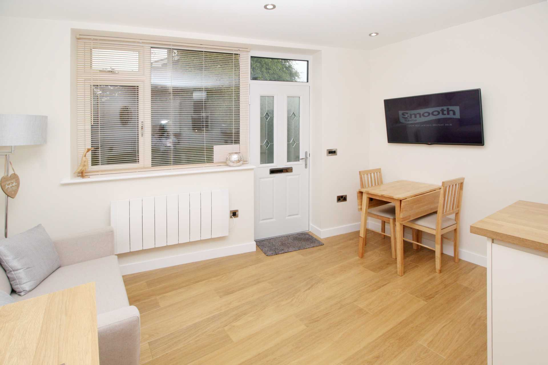 1 bed flat for sale in High Street, Sixpenny Handley, Salisbury 5