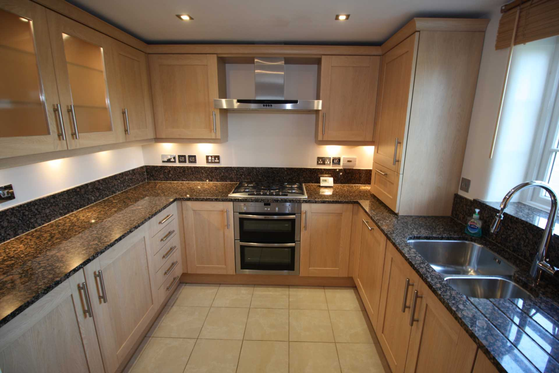 2 bed terraced house to rent in Hambledon Row, Shillingstone, Blandford Forum 1