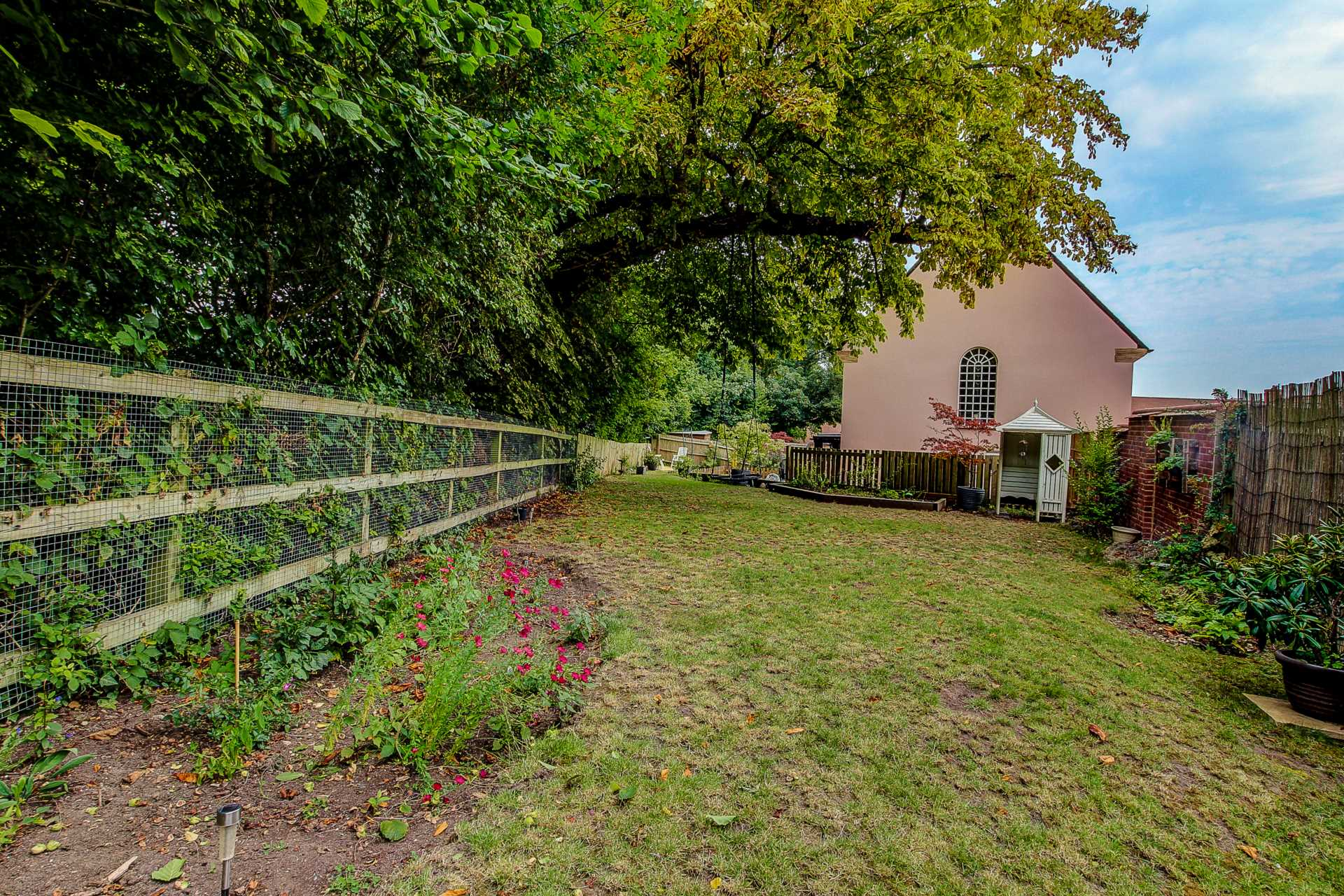 3 bed link detached house for sale in Charlton Mead, Charlton Marshall, Blandford Forum  - Property Image 4